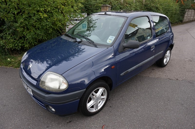 used Renault Clio GRANDE in chelmsford essex