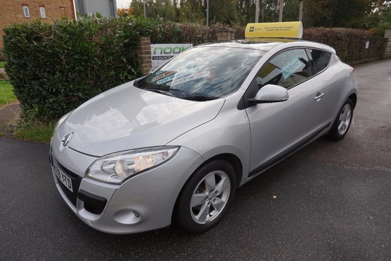 used Renault Megane DYNAMIQUE VVT in chelmsford-essex
