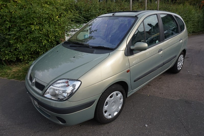 used Renault Scenic EXPRESSION PLUS 16V in chelmsford-essex