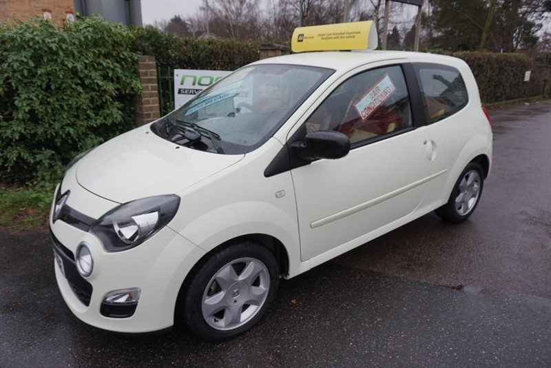 used Renault Twingo DYNAMIQUE in chelmsford-essex