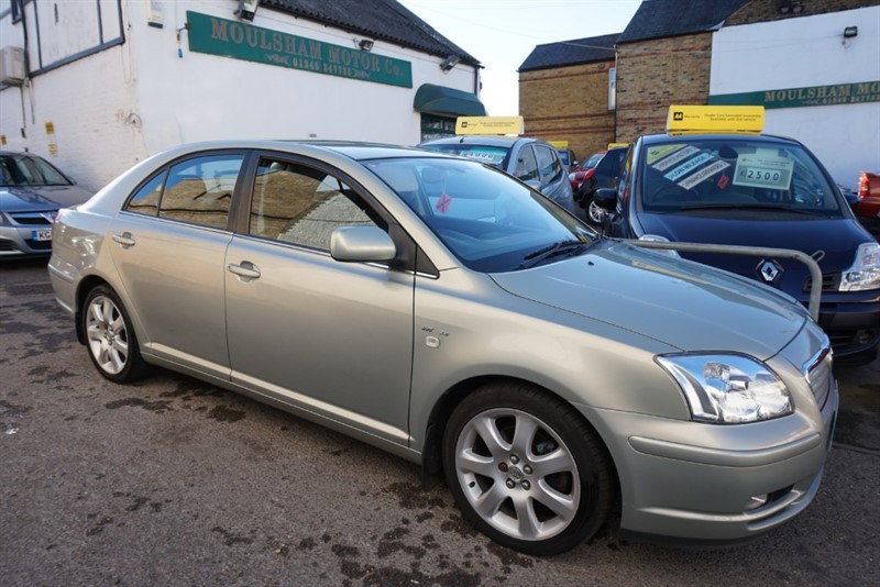 used Toyota Avensis VVT-I T4 in chelmsford essex