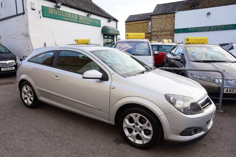 used Vauxhall Astra SXI 16V TWINPORT in chelmsford-essex