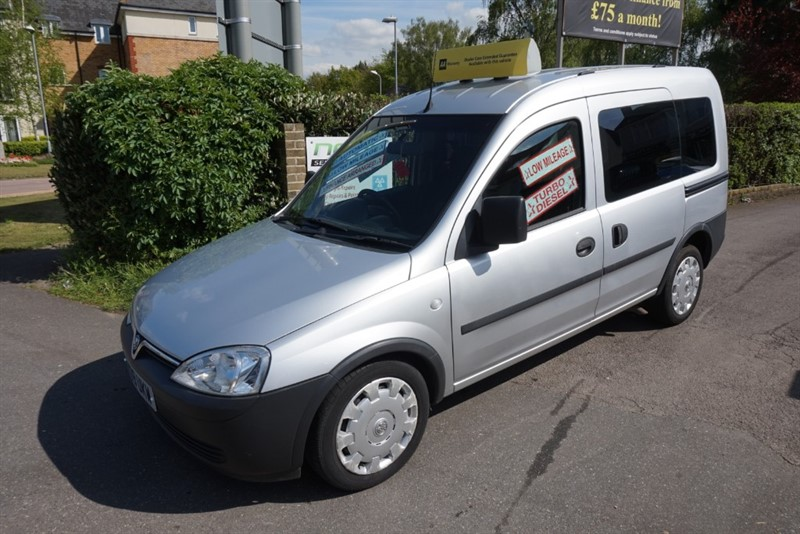 used Vauxhall Corsa TOUR ESSENTIA CDTI in chelmsford-essex