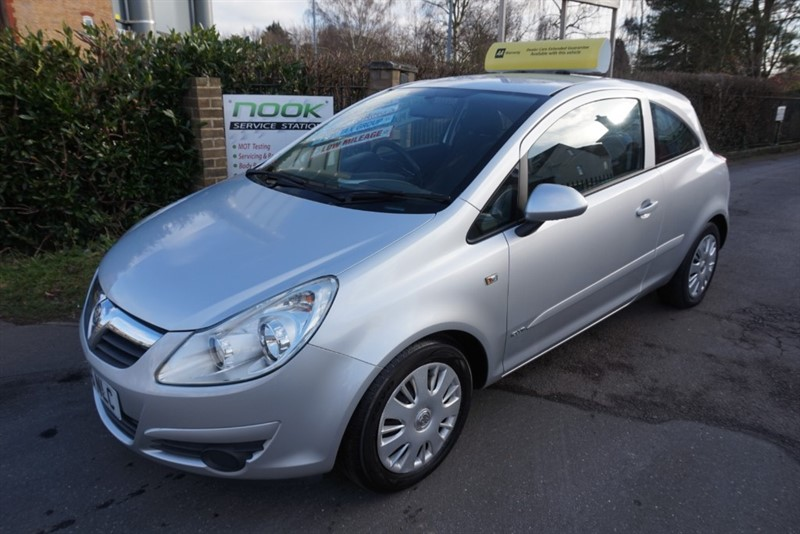 used Vauxhall Corsa CLUB AC 16V in chelmsford essex