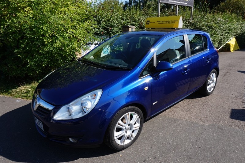 used Vauxhall Corsa DESIGN 16V in chelmsford essex