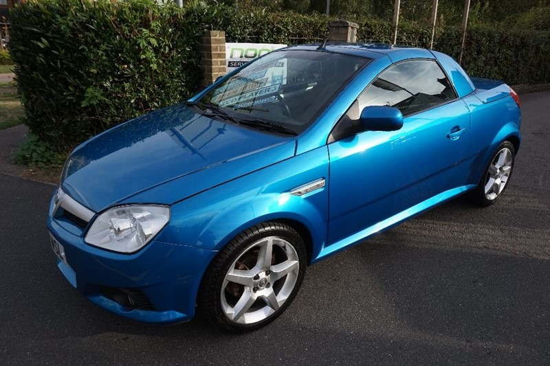 used Vauxhall Tigra i 16v Exclusiv 2dr (a/c) in chelmsford essex