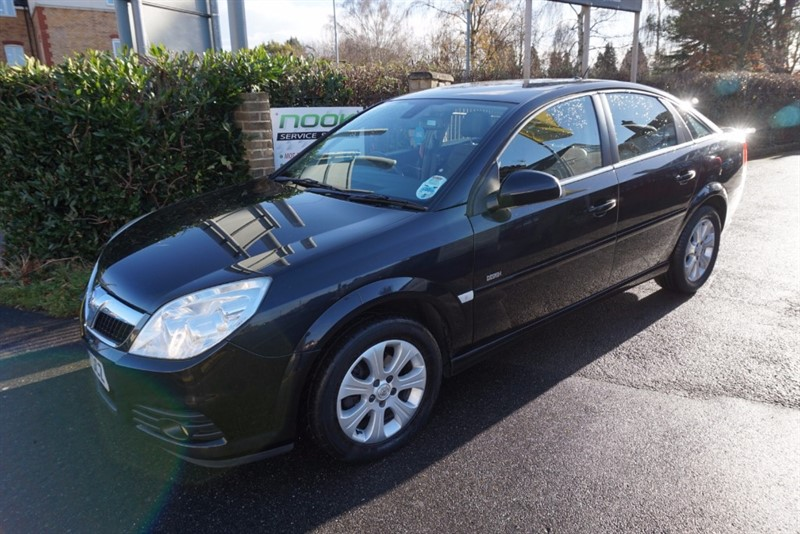 used Vauxhall Vectra VVT DESIGN in chelmsford essex