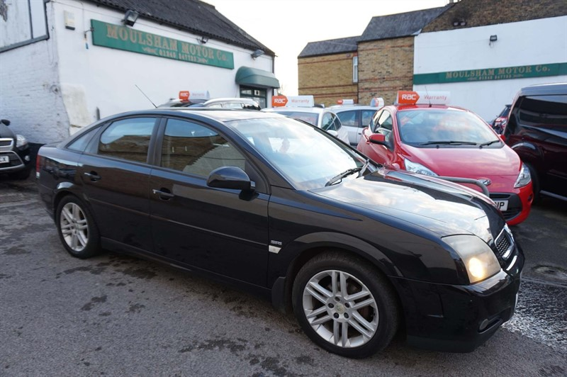 used Vauxhall Vectra i 16v SRi 5dr in chelmsford-essex