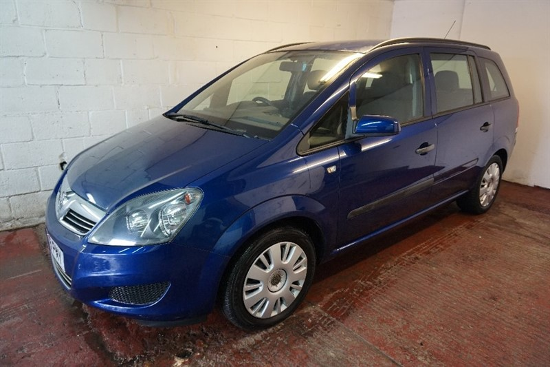 used Vauxhall Zafira i 16v Life 5dr in chelmsford essex