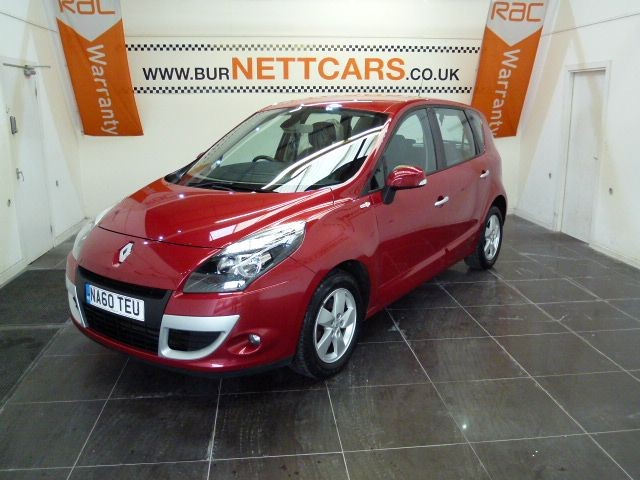 used Renault Scenic DYNAMIQUE TOMTOM DCI FAP in chorely-lancashire