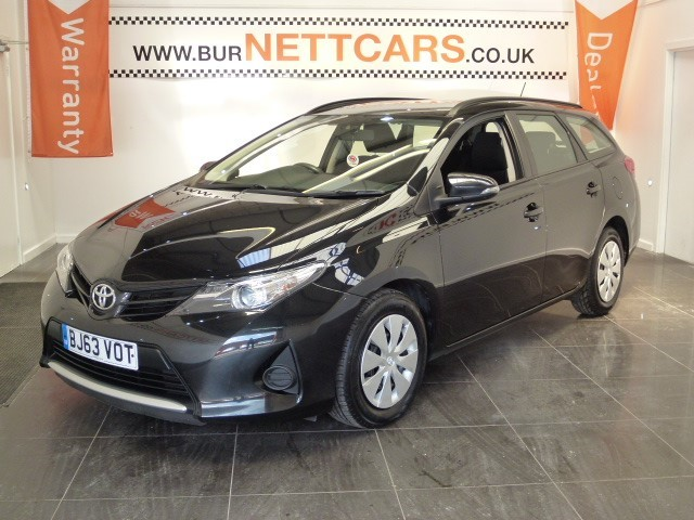 used Toyota Auris D-4D ACTIVE in chorely-lancashire