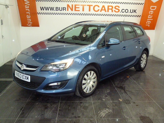 used Vauxhall Astra EXCLUSIV CDTI ECOFLEX S/S in chorely-lancashire