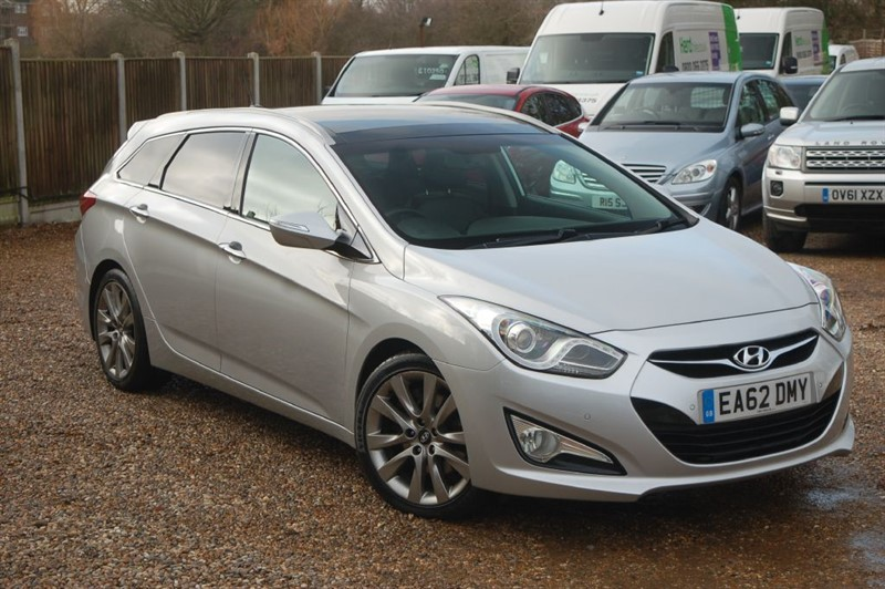 used Hyundai i40 CRDI PREMIUM in tiptree-essex