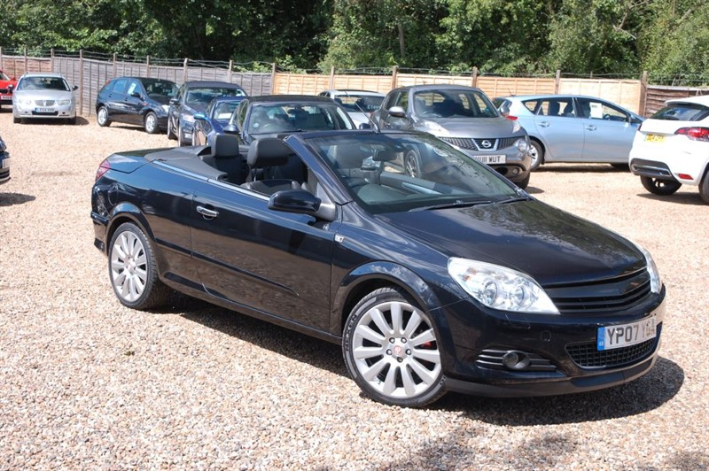 used Vauxhall Astra TWIN TOP EXCLUSIV BLACK in tiptree-essex
