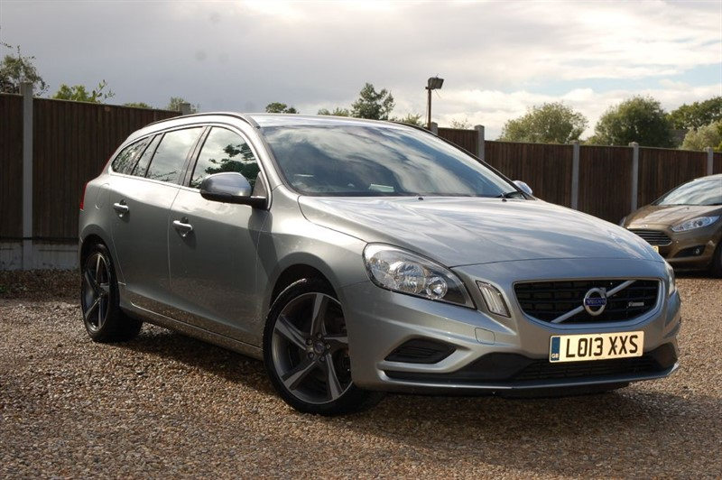 used Volvo V60 D5 R-DESIGN NAV in tiptree-essex