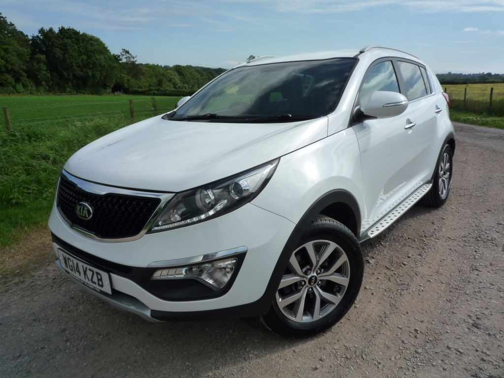 Used white pearl metallic kia sportage for sale for Kia motor finance phone