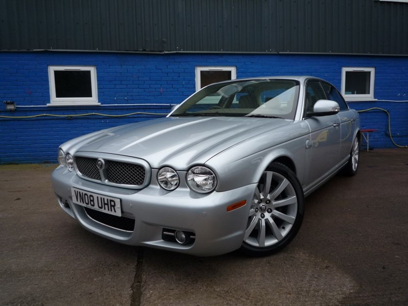 used Jaguar XJ EXECUTIVE V6 in chepstow-monmouthshire