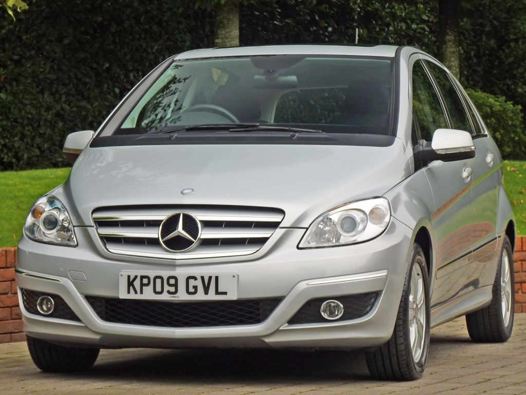 used brilliant silver metallic mercedes b150 for sale dorset. Black Bedroom Furniture Sets. Home Design Ideas