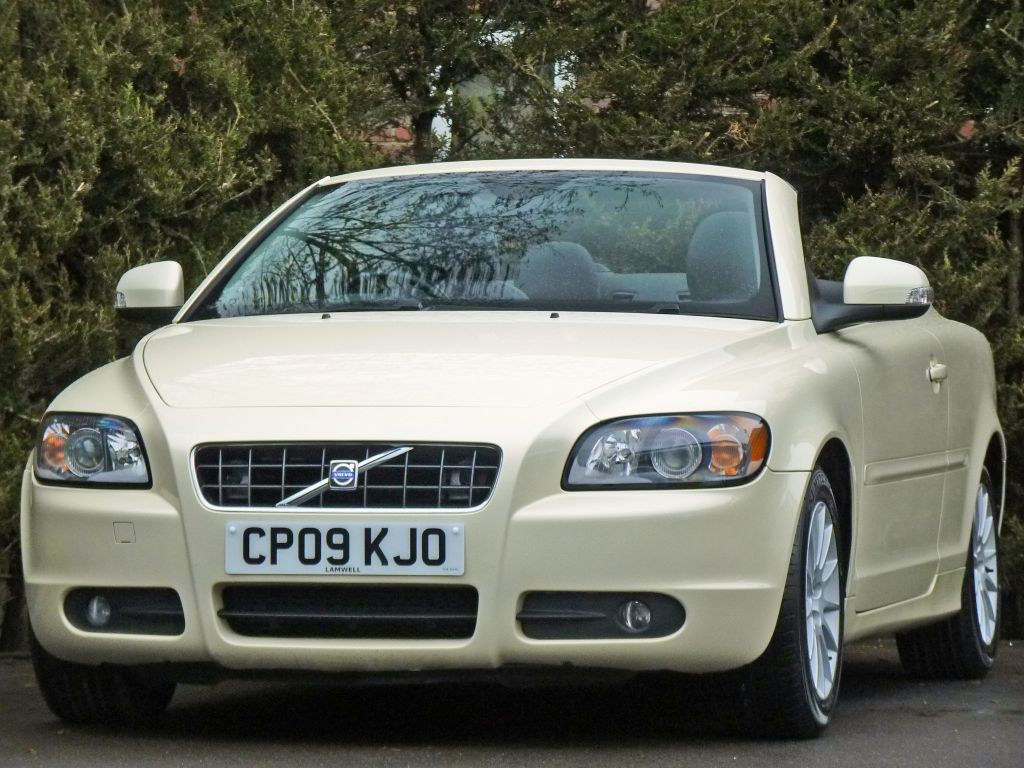 Used Pearl White Metallic Volvo C70for Sale Dorset Foto C70 No Photos Available