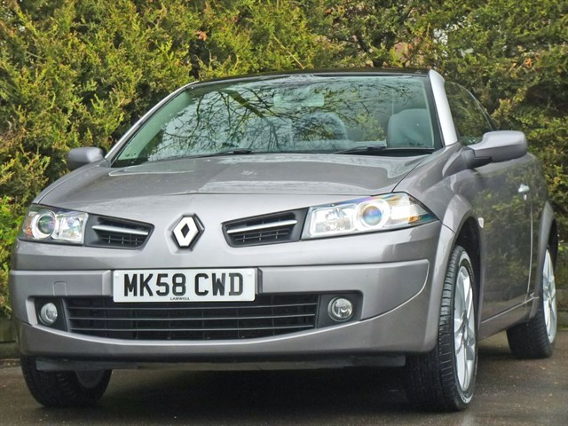 used Renault Megane 1.6 DYNAMIQUE S COUPE CONVERTIBLE in dorset
