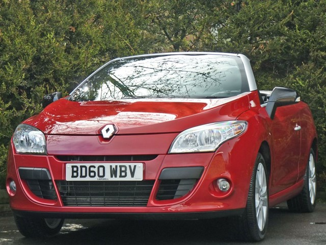 used Renault Megane DYNAMIQUE TOMTOM COUPE CONVERTIBLE in dorset