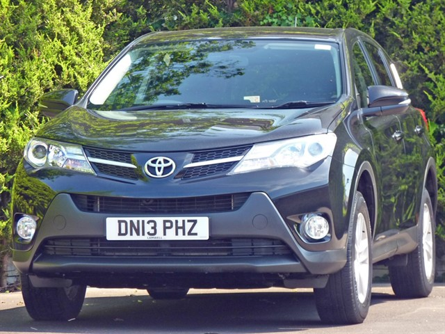 used Toyota RAV4 D-4D ACTIVE in dorset
