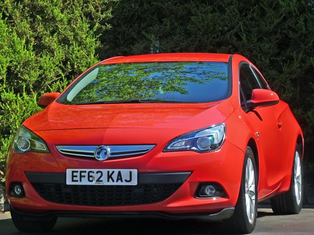 used Vauxhall Astra GTC SRI COUPE in dorset