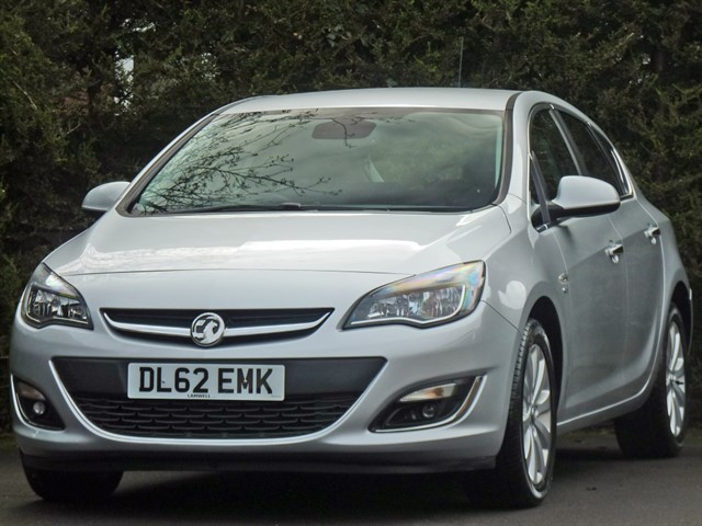 used Vauxhall Astra 2.0 CDTi ELITE AUTOMATIC in dorset