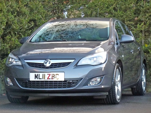 used Vauxhall Astra 2.0 CDTi SRI  in dorset