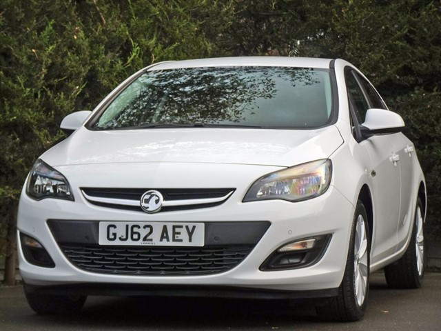 used Vauxhall Astra ACTIVE (SAT NAV) in dorset