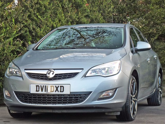 used Vauxhall Astra EXCLUSIV in dorset