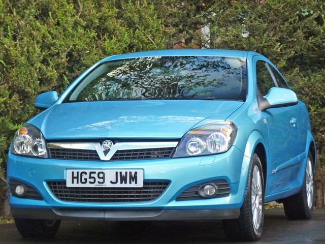 used Vauxhall Astra DESIGN AUTOMATIC in dorset