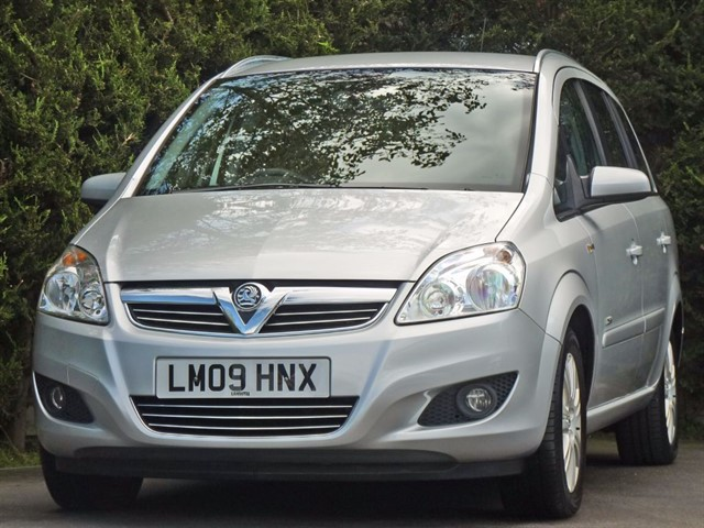 used Vauxhall Zafira DESIGN 16V in dorset