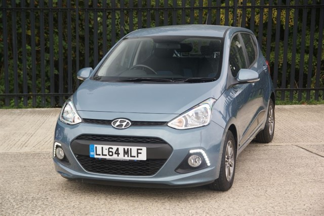 used Hyundai i10 PREMIUM in colchester-essex