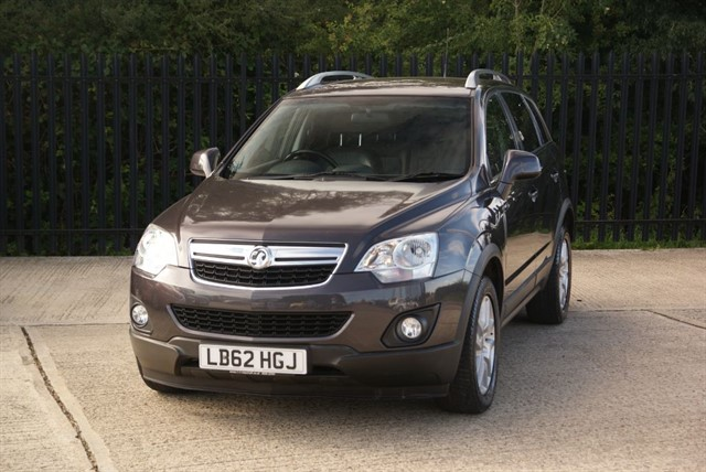 used Vauxhall Antara EXCLUSIV CDTI 4WD in colchester-essex