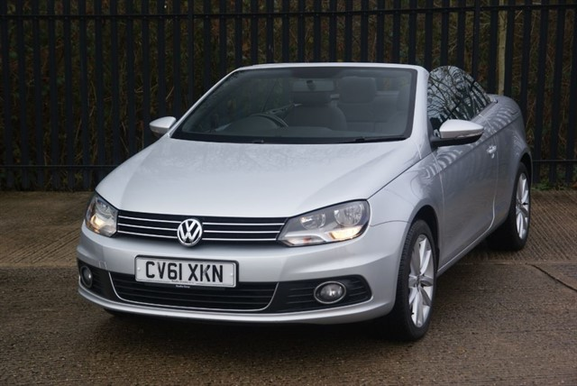 used VW Eos SE TDI BLUEMOTION TECHNOLOGY DSG in colchester-essex