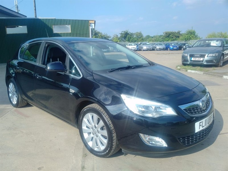 used Vauxhall Astra ELITE CDTI in cambridgeshire