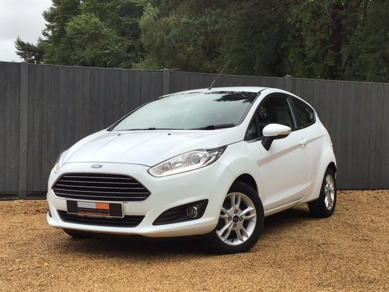 used Ford Fiesta T EcoBoost Zetec (s/s) 3dr in in-dorset