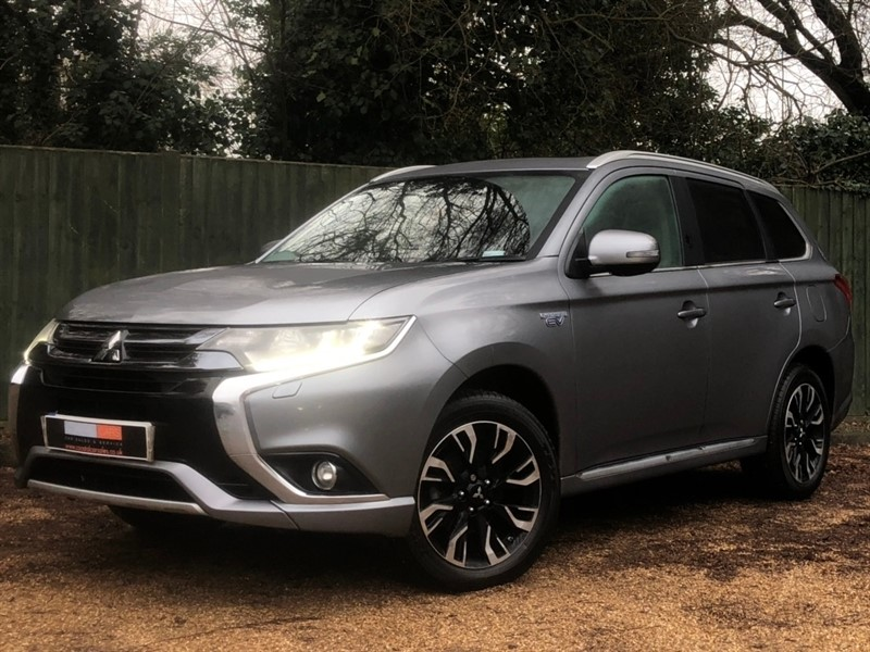 used Mitsubishi Outlander GX4h CVT 4x4 5dr (5 seats) in in-dorset