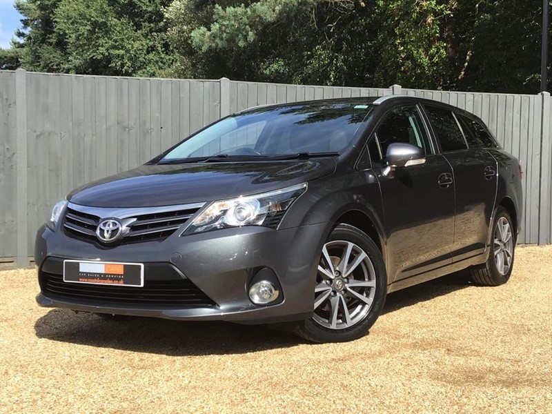used Toyota Avensis TR 5dr in in-dorset