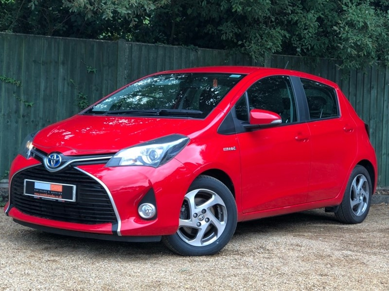 used Toyota Yaris Icon e-CVT 5dr in in-dorset