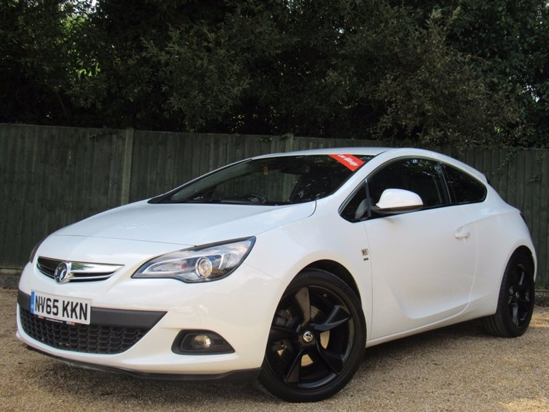used Vauxhall Astra GTC CDTi SRi 3dr (start/stop) in in-dorset