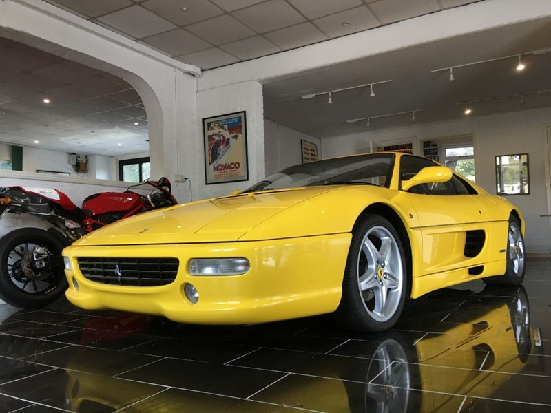 used Ferrari F355 F1 355 BERLINETTA/GTB RHD in west-sussex