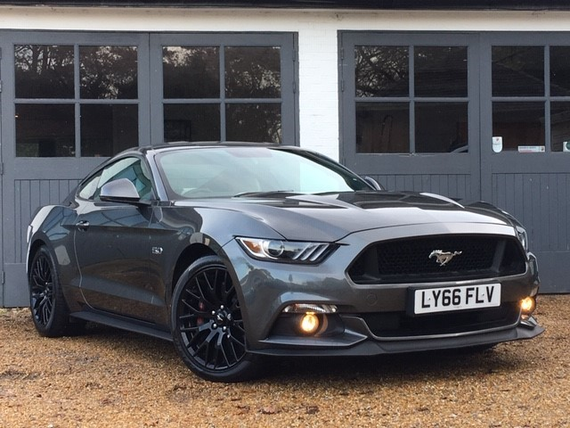 used Ford Mustang GT in west-sussex