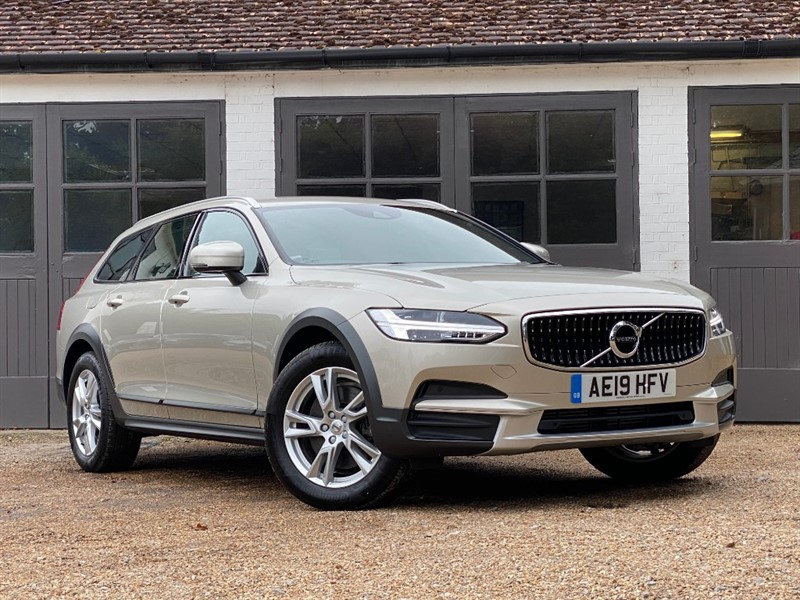 used Volvo V90 T5 CROSS COUNTRY AWD in west-sussex