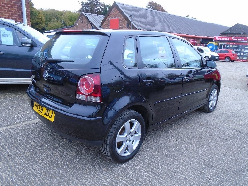 volkswagen polo in high wycombe buckinghamshire compucars. Black Bedroom Furniture Sets. Home Design Ideas