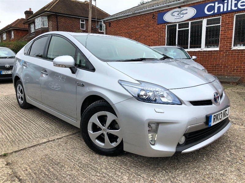 used Toyota Prius VVT-i CVT 5dr in high-wycombe-buckinghamshire