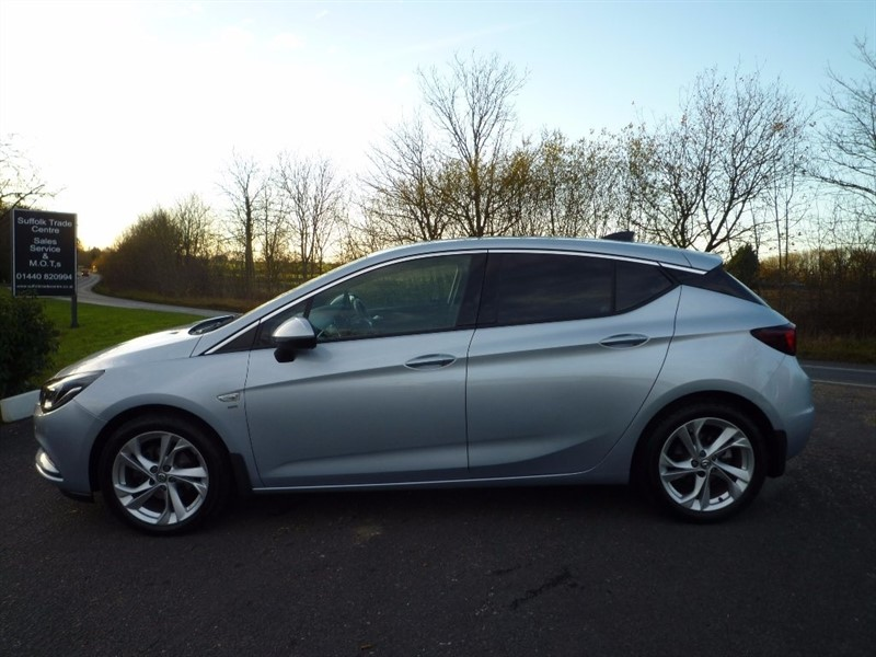 used Vauxhall Astra i 16v Turbo SRi Nav Hatchback 5dr in suffolk