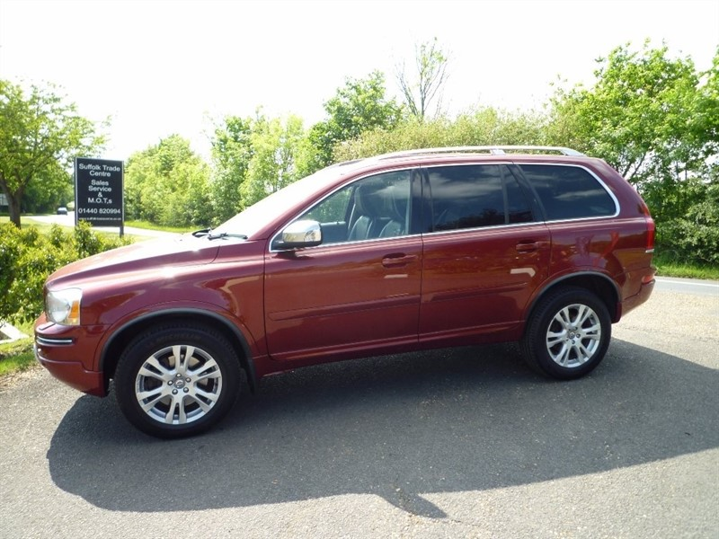 used Volvo XC90 D5 SE Lux Estate Geartronic AWD 5dr in suffolk