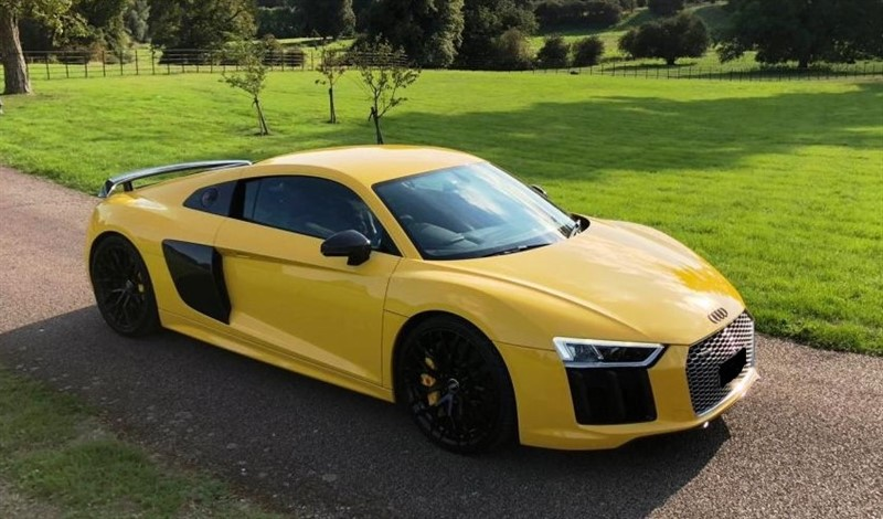 used Audi R8 V10 PLUS QUATTRO in hertford-hertfordshire
